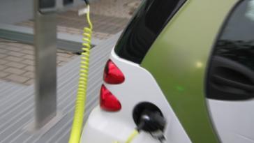 Auto elettriche ricarica colonnine Legge di Stabilità