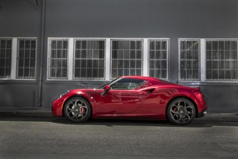 Alfa Romeo 4C Video Return to holliwood