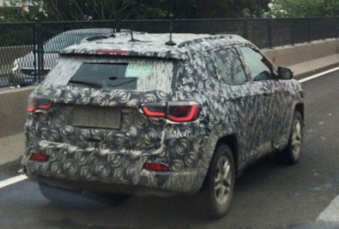 Jeep Compass 2016 foto spia posteriore