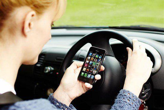 Guida con smartphone